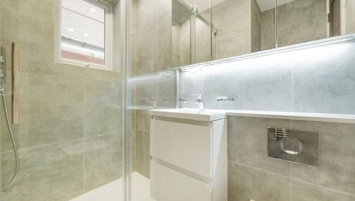Flat-E-LHR-bathroom-3