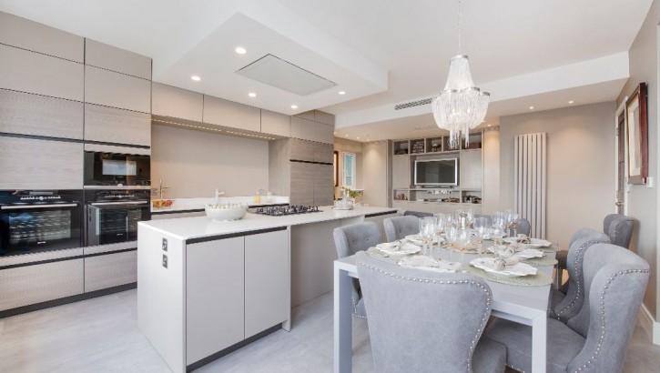 Flat-E-LHR-kitchen-dining