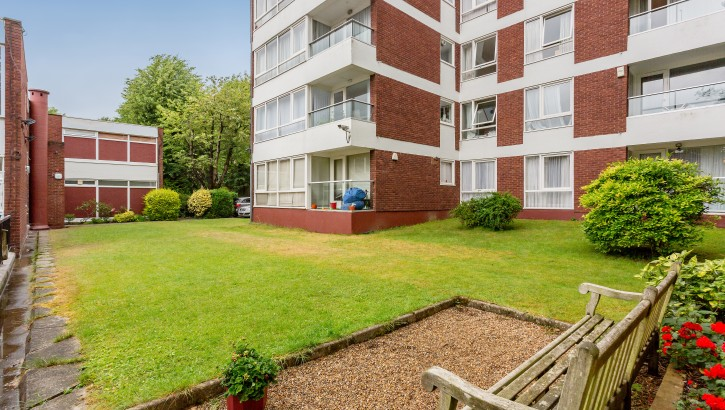 22 Imperial Towers Netherhall Way NW3-11