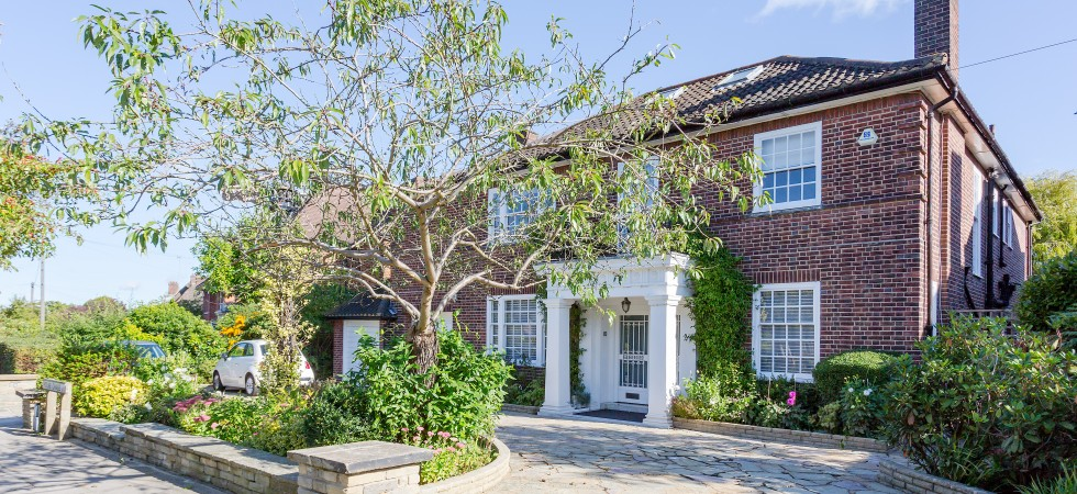 Holne Chase Hampstead Garden Suburb N2