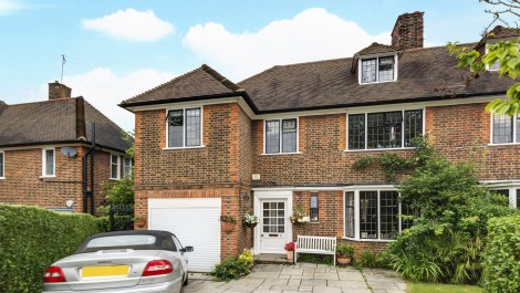 Milton Close Hampstead Garden Suburb N2