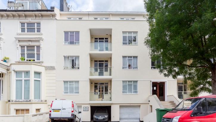 Flat 3, 59-60 Belsize Park House, NW3 4EJ-020
