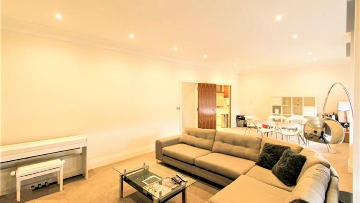 Flat 13- Living Room 1