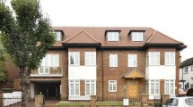 Beechcroft Avenue Golders Green NW11