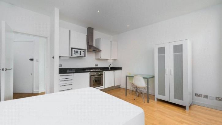 Studio kitchen 2