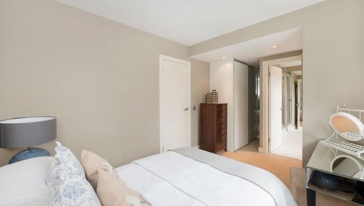 84 BC bedroom no.2 (2)