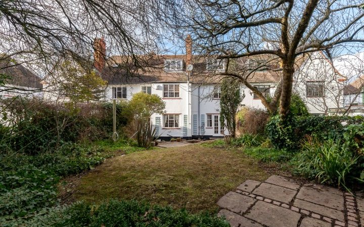Sutcliffe Close, Hampstead Garden Suburb, NW11