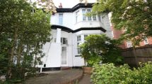 North End Road, Golders Green NW11