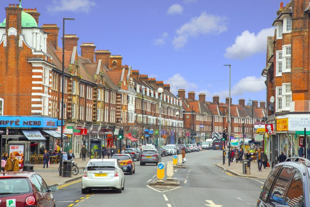 Our Golders Green area guide by your local property expert, is here to assist you discover this ideal location for community, for young families, with great schools and green spaces.