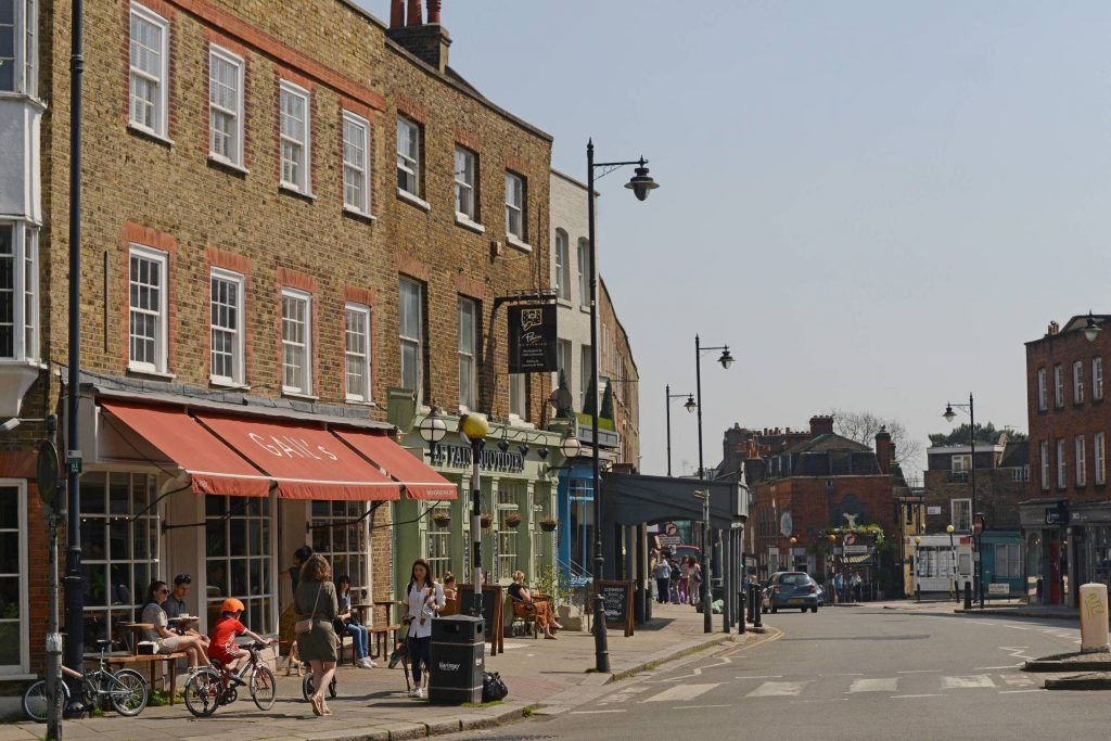 Our Highgate Area Guide is here to assist you discover the local highlights of Highgate, quite possibly one of London's quaintest spots!
